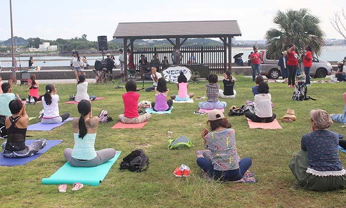 okinawa-vegan-fest-yoga